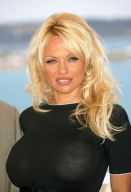 Pamela Anderson was cured of hepatitis C after a 15-year infection. (pubic domain photo)